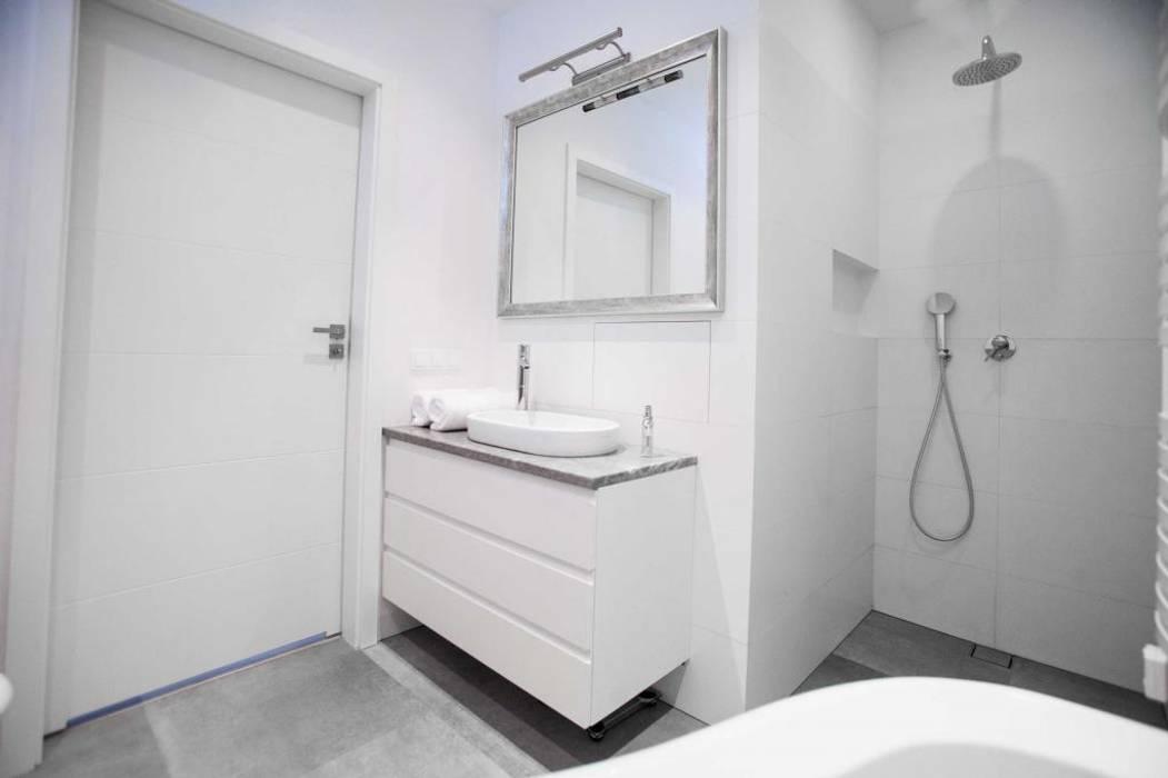 Moderne Badezimmer von MGN Pracownia Architektoniczna Modern