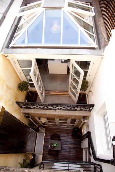 Balcon, Veranda & Terrasse classiques par homify Classique