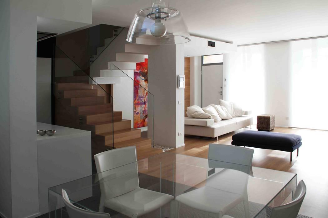 现代客厅設計點子、靈感 & 圖片 根據 Federico Pisani Architetto 現代風