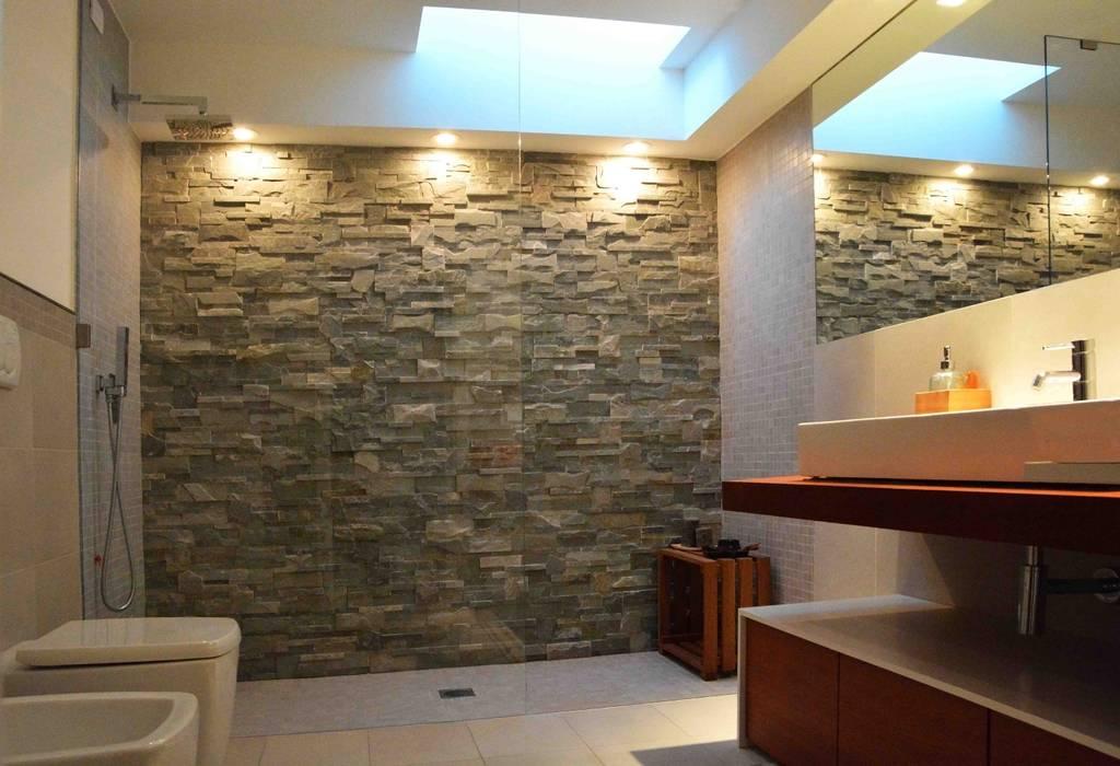 house r_p: Bagno in stile  di Federico Pisani Architetto
