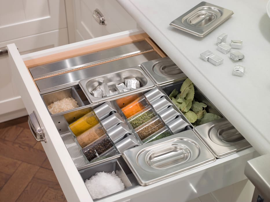 Cajón especiero DEULONDER arquitectura domestica Cocinas de estilo moderno Metálico/Plateado