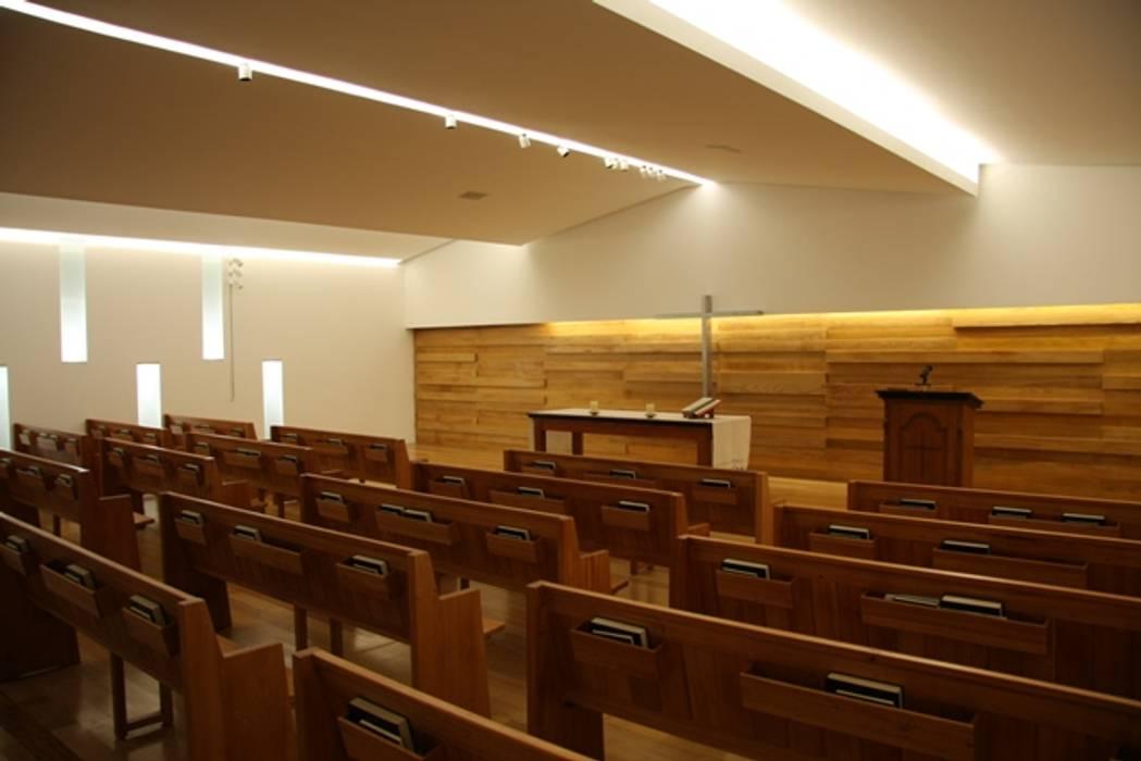 Igreja Presbiteriana de Lisboa Locais de eventos modernos por Visual Stimuli Moderno