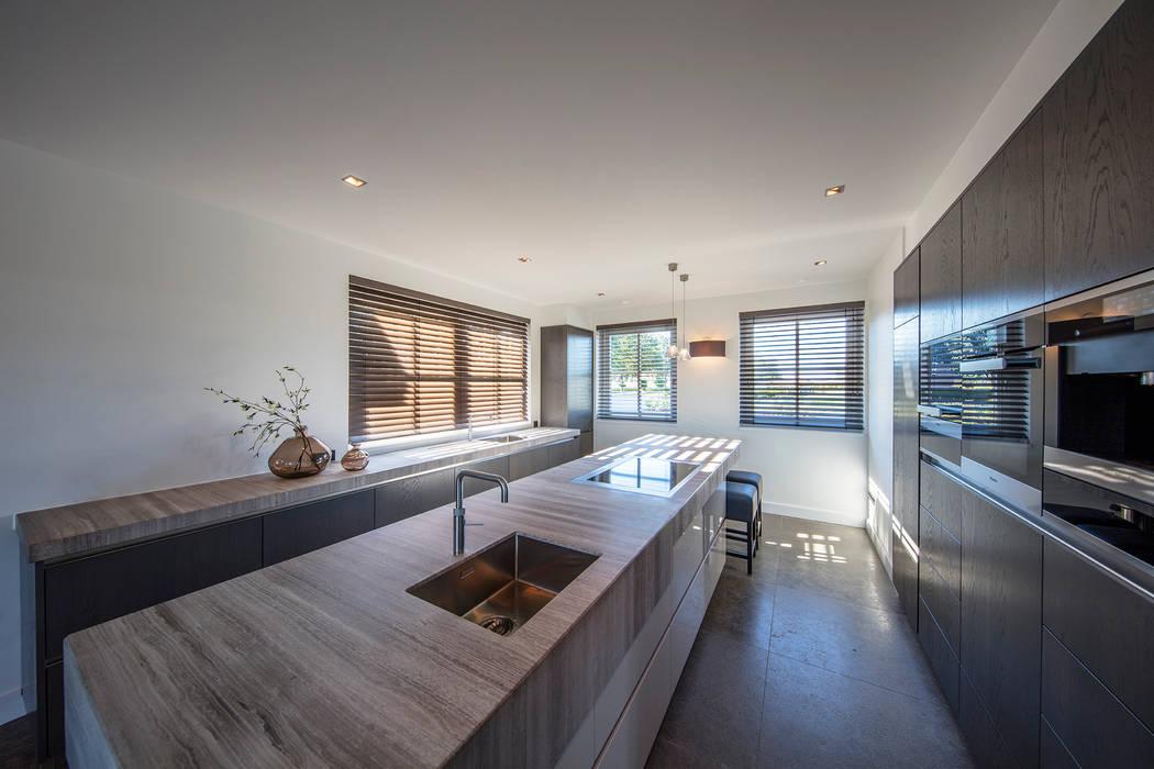 Kitchen:  Keuken door Medie Interieurarchitectuur