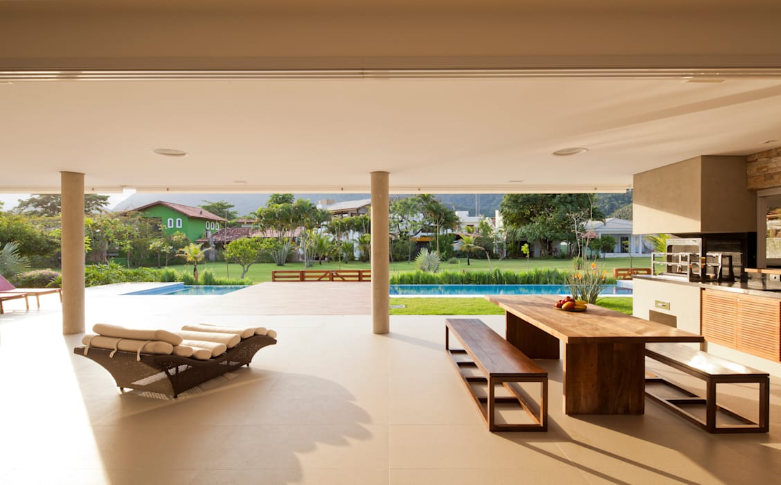 Terrazas de estilo  por Conrado Ceravolo Arquitetos, Moderno