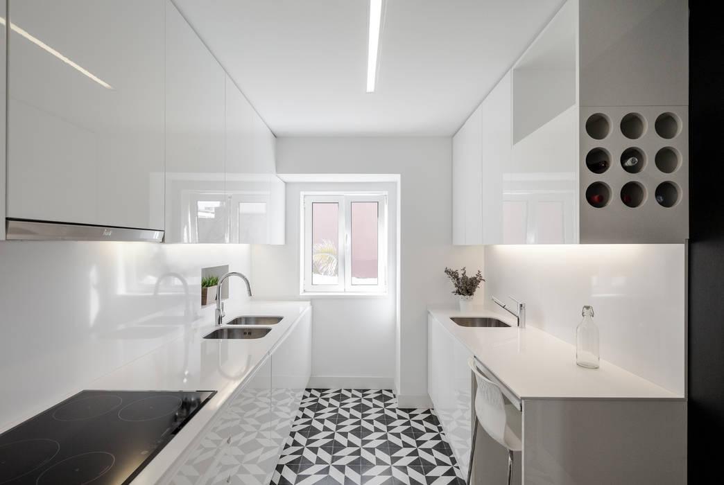 Minimalistische Küchen von Vanessa Santos Silva | Arquiteta Minimalistisch