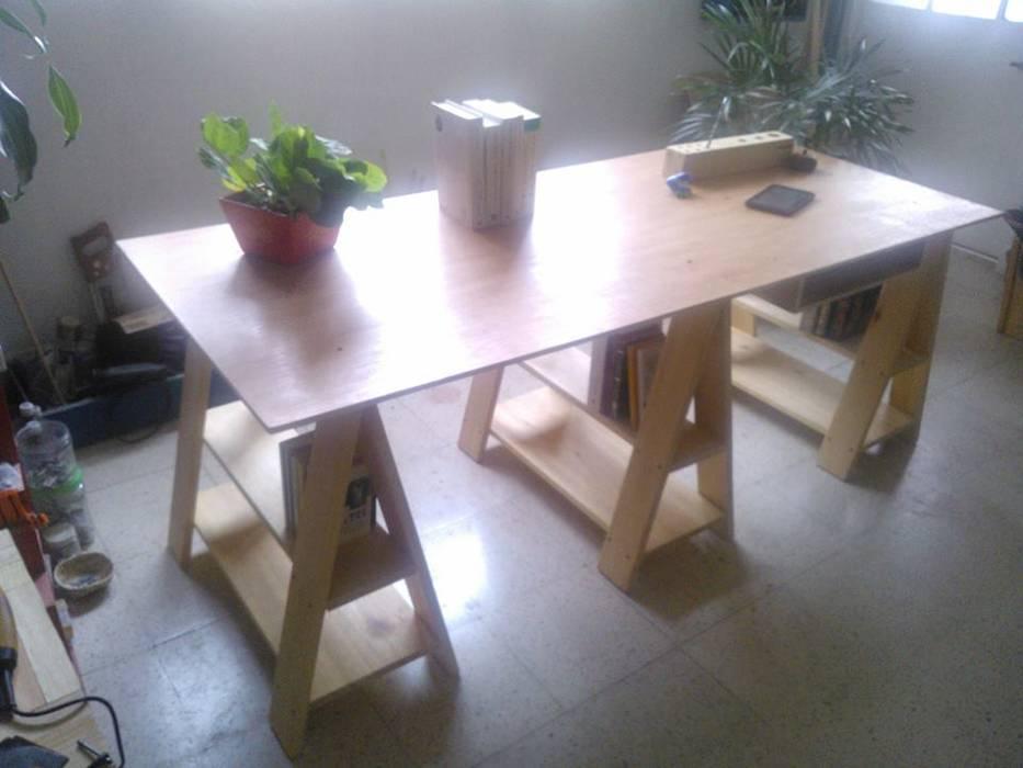 Departamento Seis Study/officeDesks Solid Wood