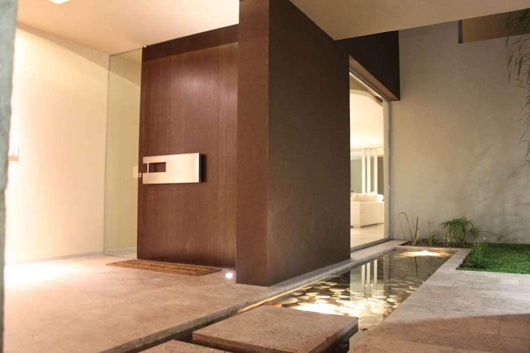 Ventanas de estilo  por cm espacio & arquitectura srl,