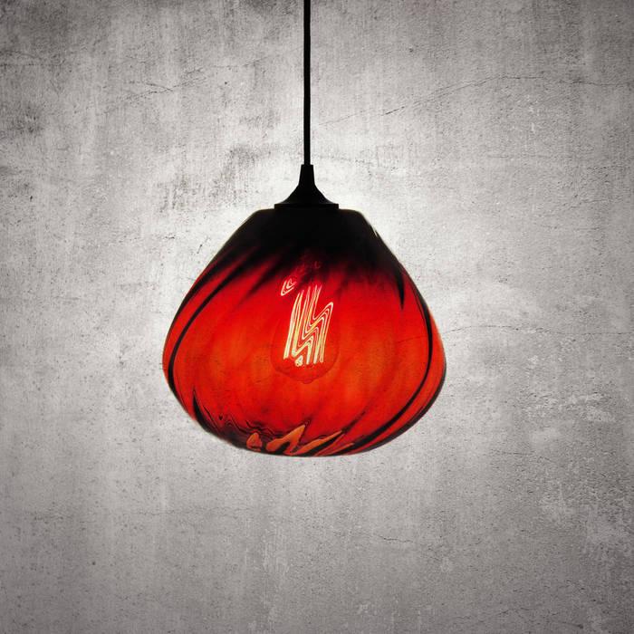 Twisters Rojo: Recámaras de estilo moderno por Luminosa ™