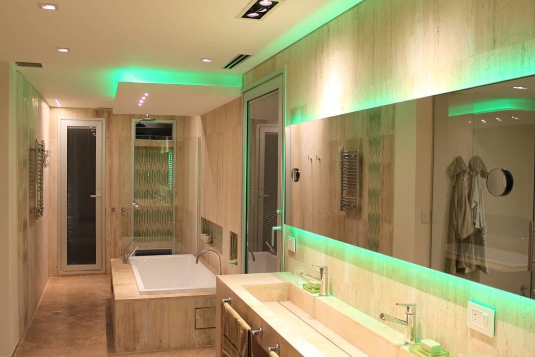 Salle de bain moderne par cm espacio & arquitectura srl Moderne