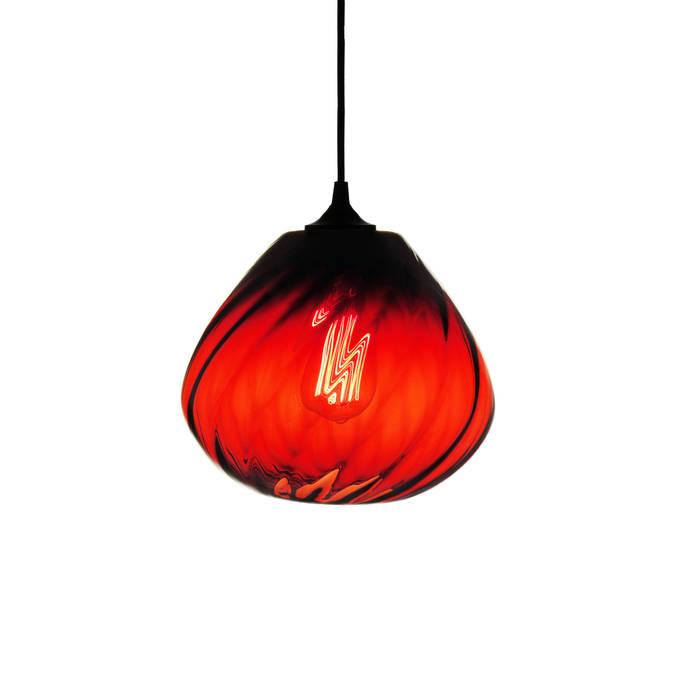 Twisters Rojo - fondo blanco: Recámaras de estilo  por Luminosa ™