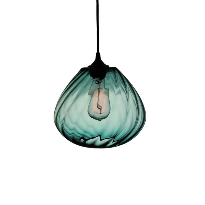 Twisters Turquesa - fondo blanco: Comedores de estilo moderno por Luminosa ™