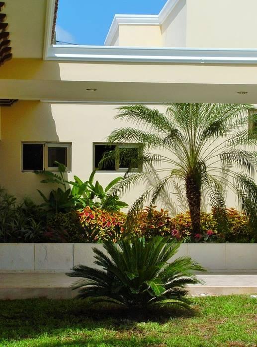 Jardines de estilo  por EcoEntorno Paisajismo Urbano,
