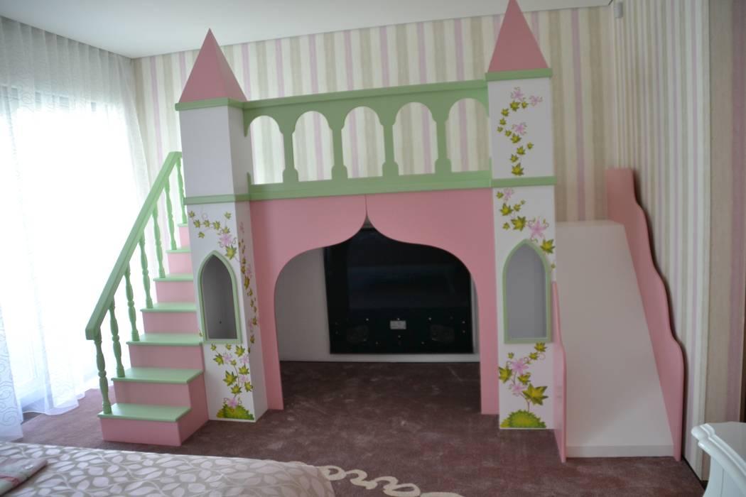 Modern nursery/kids room by Detalhes & Design Modern
