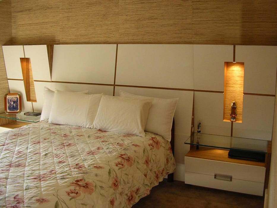 Modern style bedroom by studio luchetti Modern