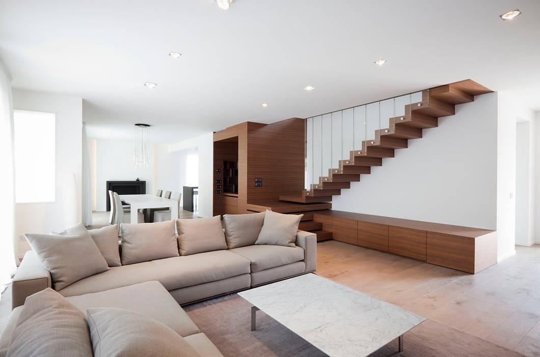 Z House Salones de estilo minimalista de EXiT architetti associati Minimalista Madera Acabado en madera
