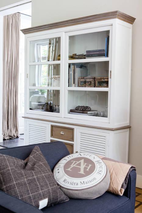 Riviera maison schrankwand: landhausstil wohnzimmer von villa ...