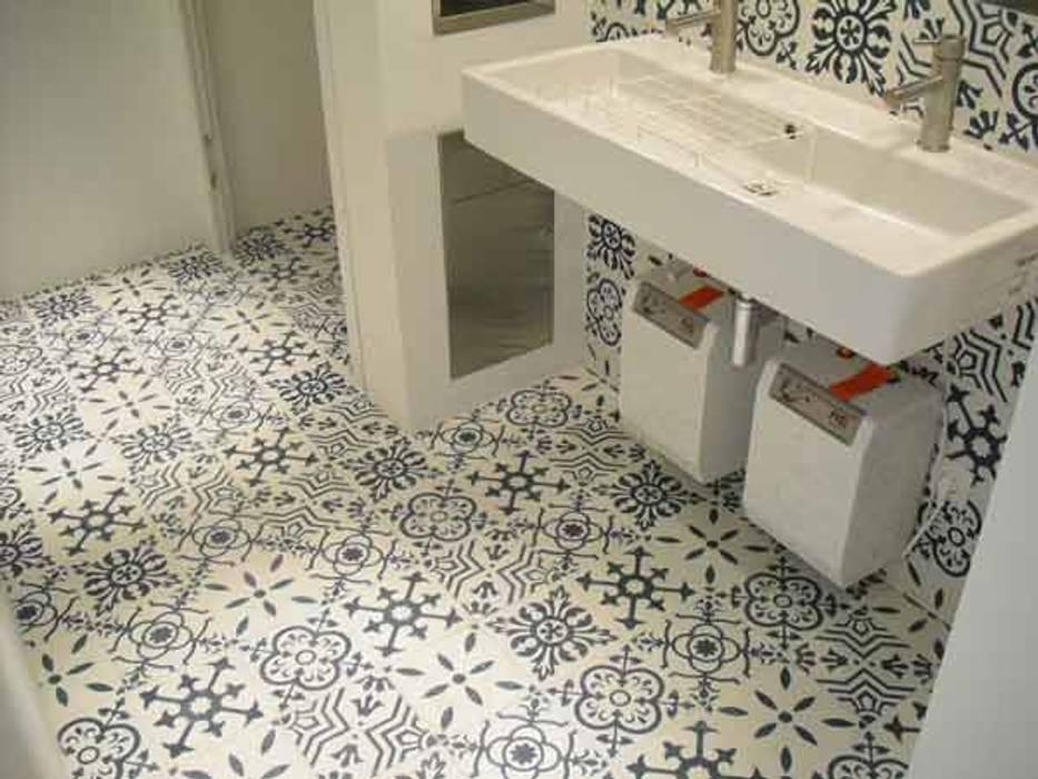 Cementtegels Patchwork zwart, wit, grijs Mediterrane muren & vloeren van Articima Mediterraan