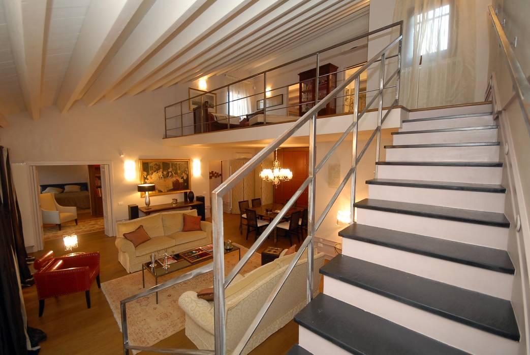 モダンスタイルの 玄関&廊下&階段 の bilune studio モダン