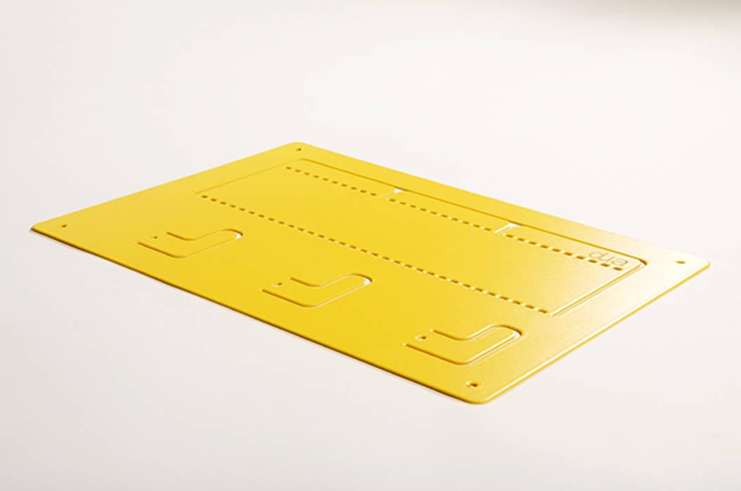 DING - A4, gelb:  Wohnzimmer von dua,