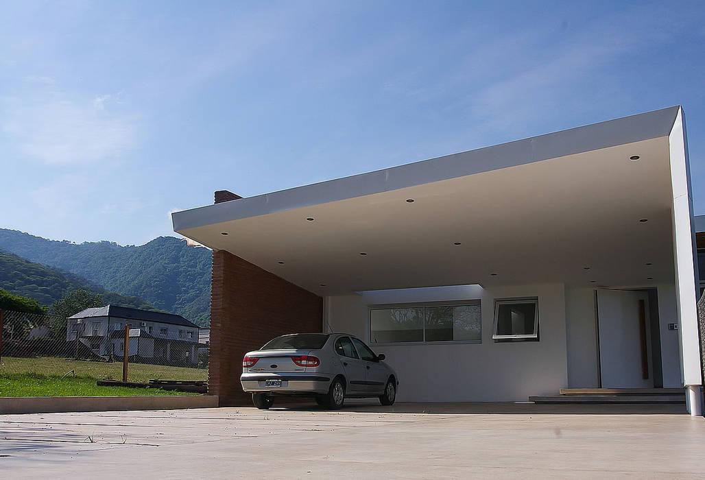 Desafiando paradigmas - Casa H Los Azhares de CB Design Moderno