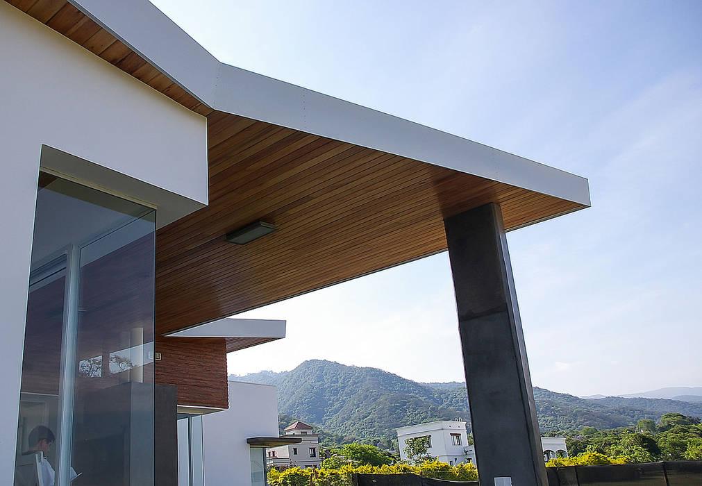 Desafiando paradigmas - Casa H Los Azhares Casas modernas: Ideas, imágenes y decoración de CB Design Moderno Madera Acabado en madera