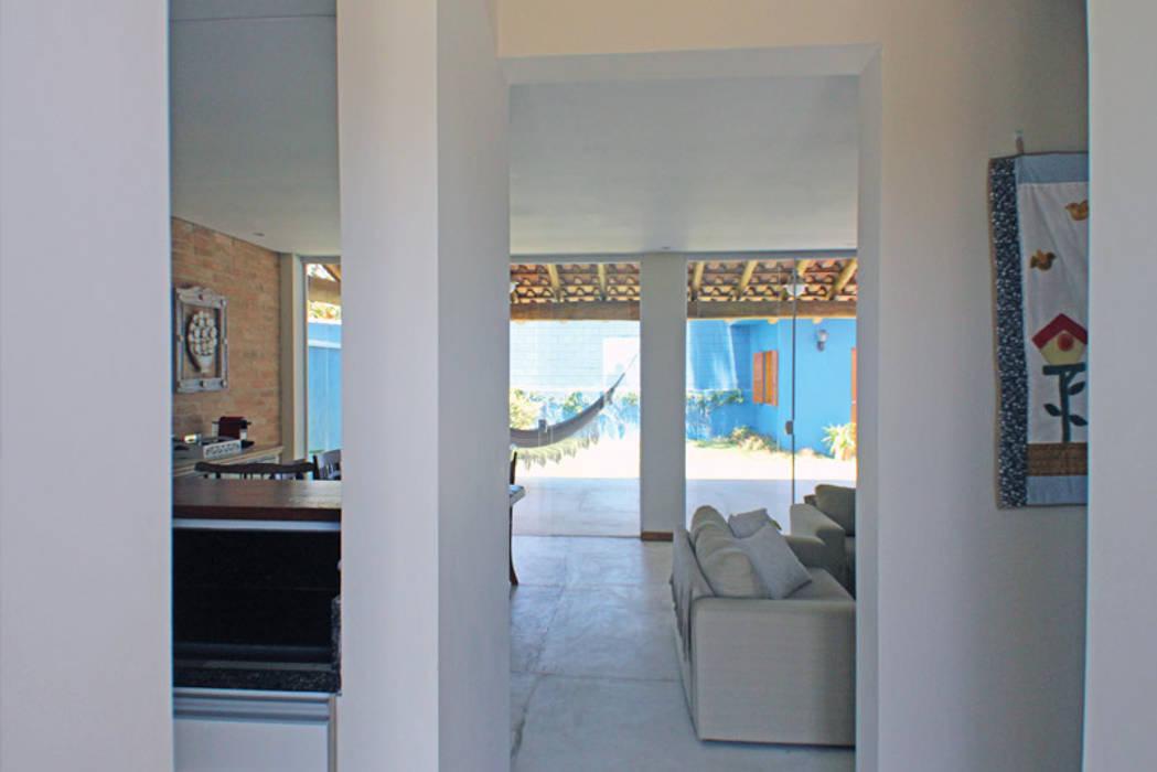 Casa Simples e Confortável Corredores, halls e escadas rústicos por RAC ARQUITETURA Rústico