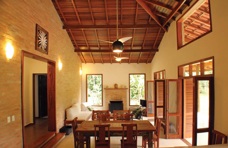 Rústica e Colonial RAC ARQUITETURA Salas de estar coloniais