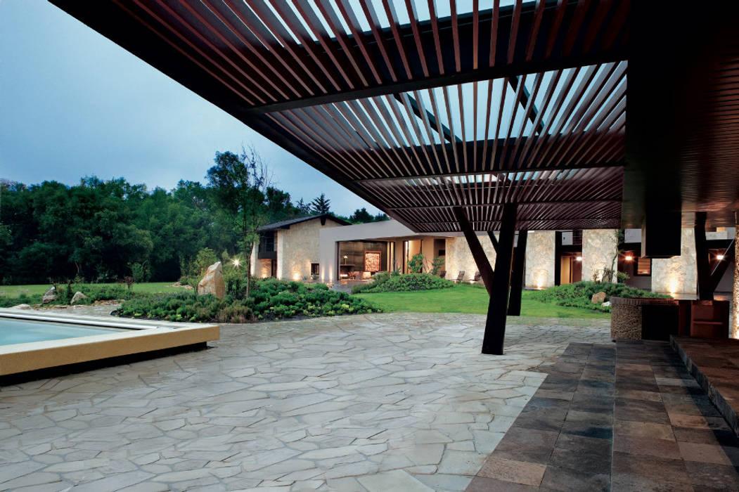 Modern houses by Productos Cristalum Modern Aluminium/Zinc