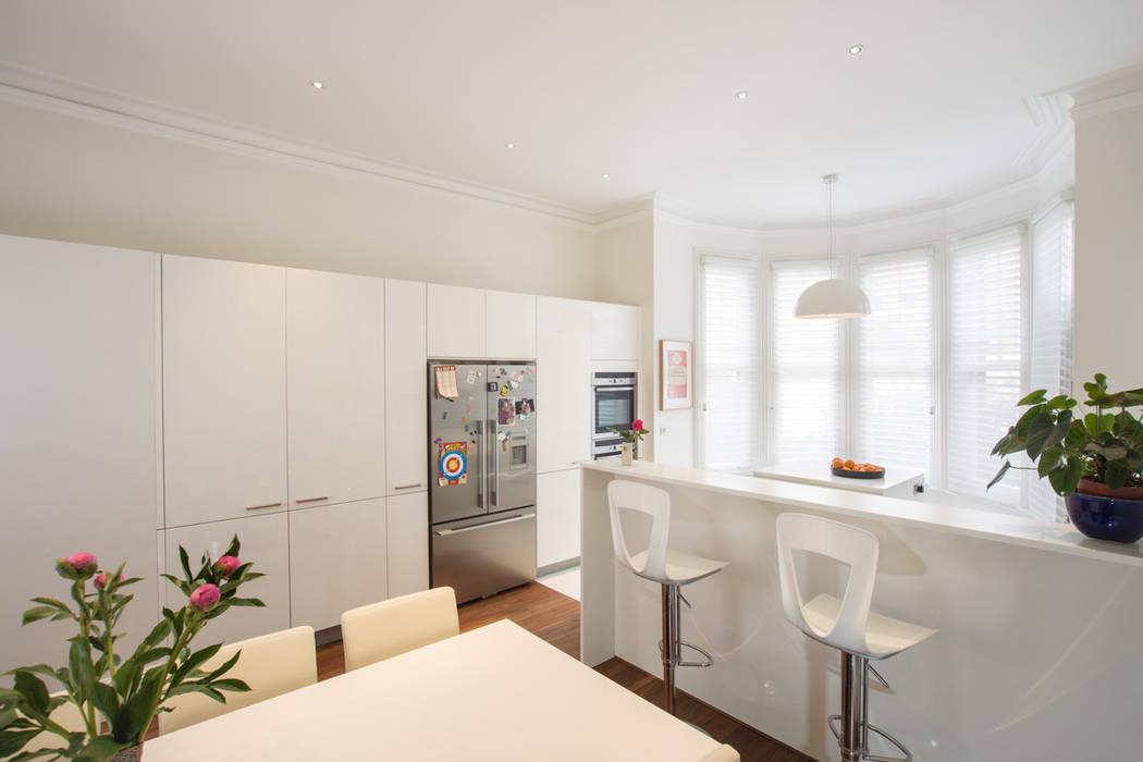 Aberdare Gardens, NW6 XUL Architecture Modern kitchen White