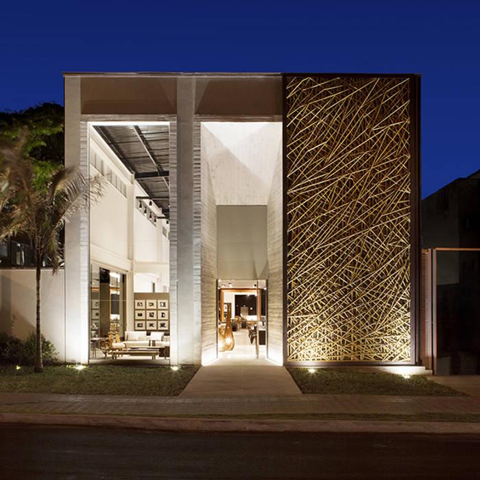 Pasillos, vestíbulos y escaleras de estilo moderno de BAMBU CARBONO ZERO Moderno Bambú Verde