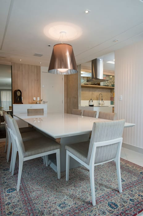Dining room by Alexandre Magno Arquiteto