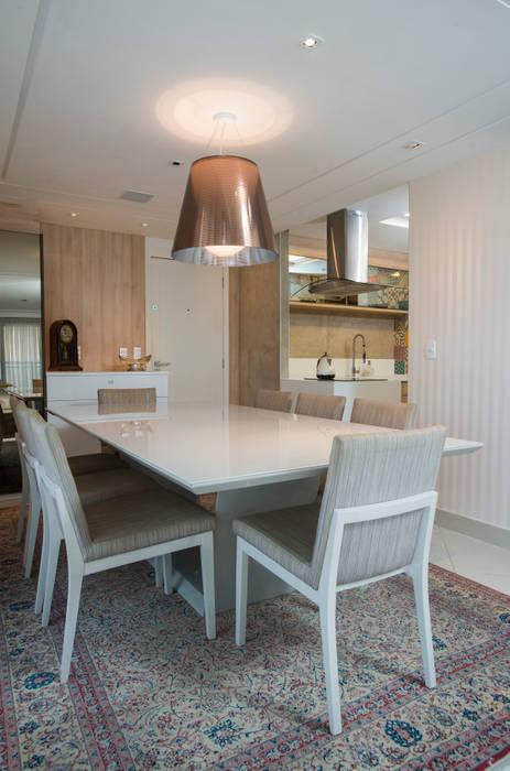 Versátil e Antenado Salas de jantar ecléticas por Alexandre Magno Arquiteto Eclético
