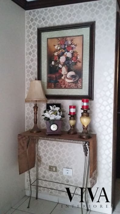 Plantilla Decorativa: Pasillos y recibidores de estilo  por VIVAinteriores, Moderno