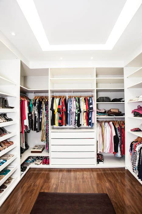 homify Classic style dressing rooms