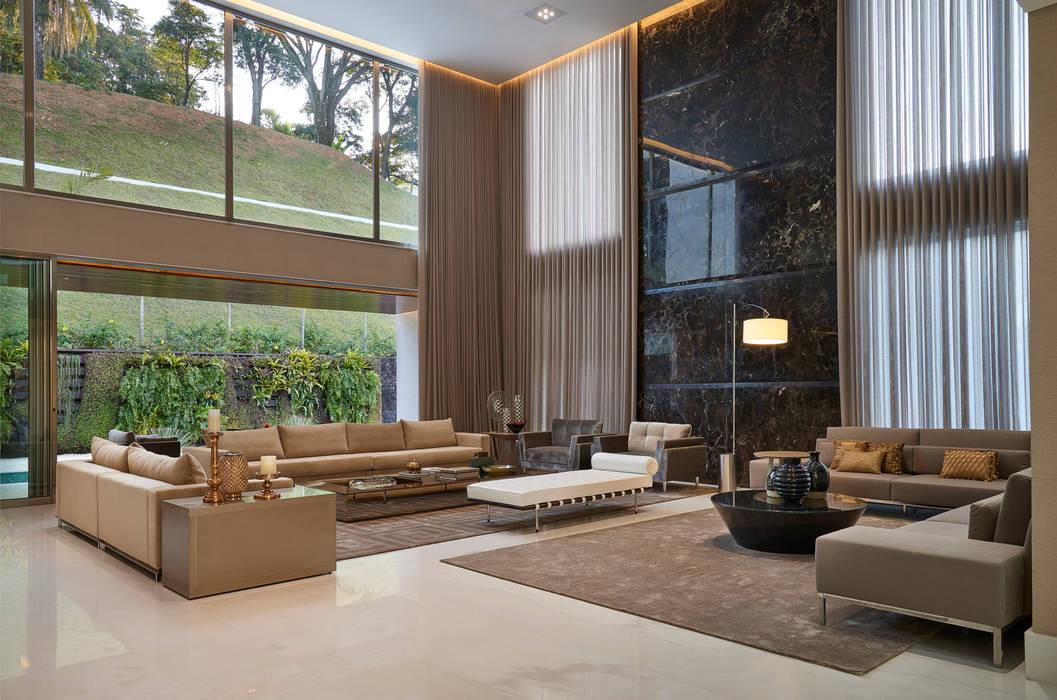 Living room by Estela Netto Arquitetura e Design, Classic