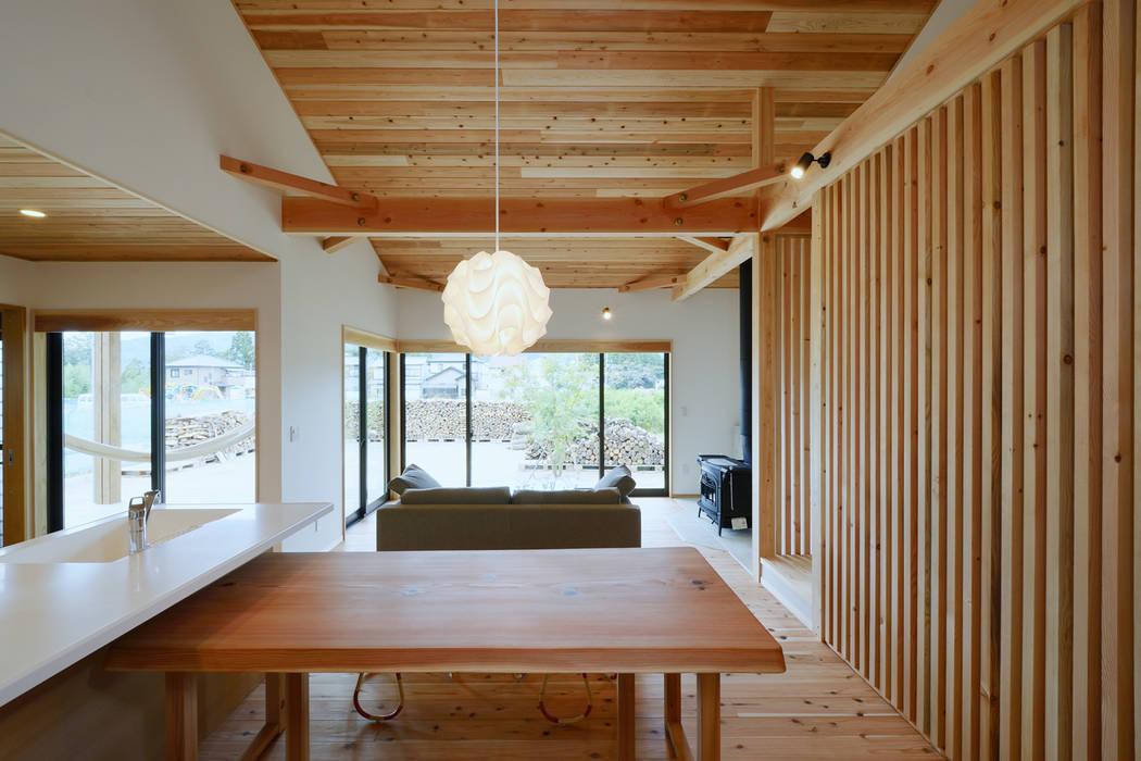 ห้องทานข้าว by 株式会社kotori