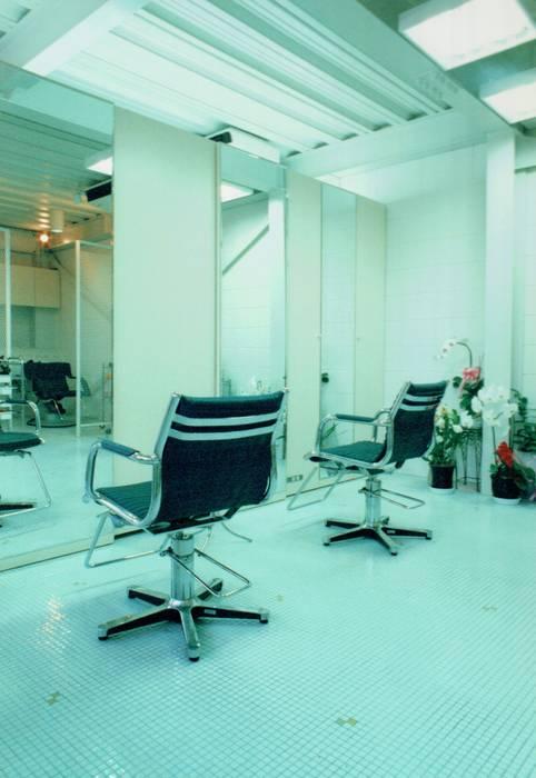 Moderne Geschäftsräume & Stores von 福井建築設計室 Modern Porzellan