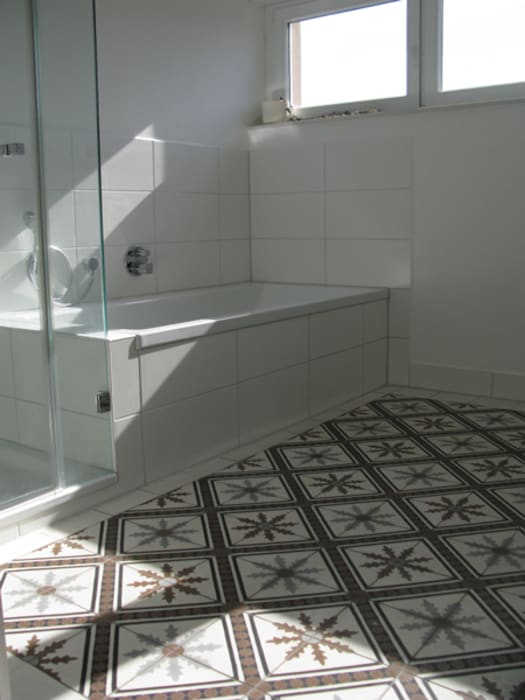 Articima Mediterranean style bathroom