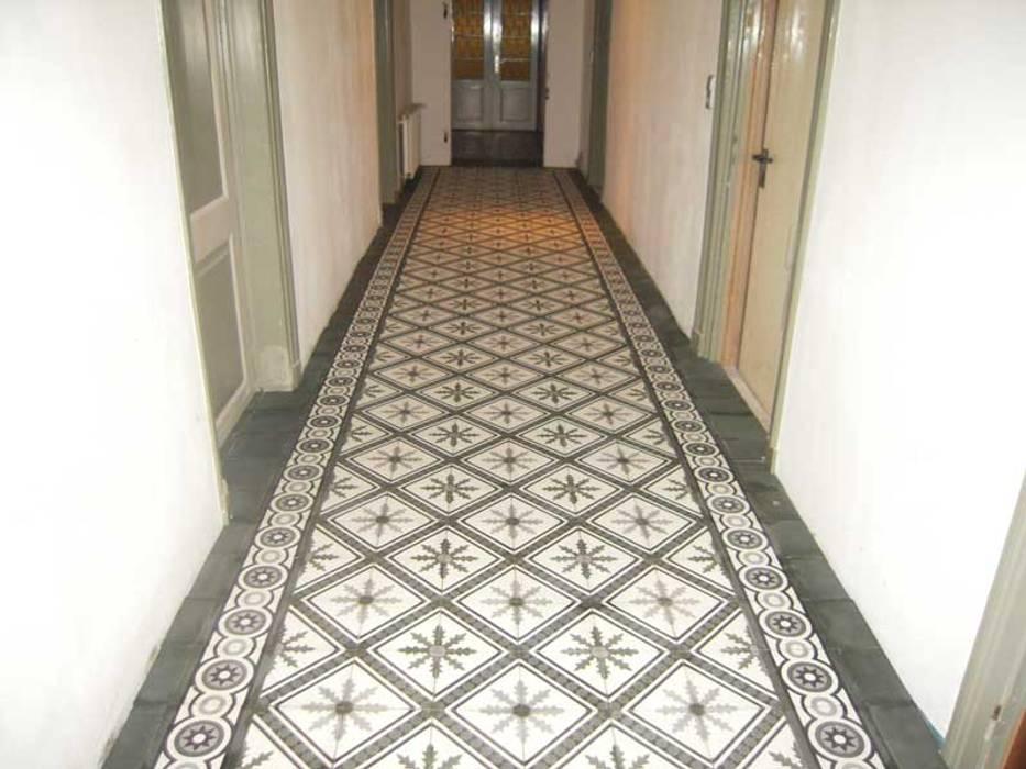 Articima Mediterranean style corridor, hallway and stairs