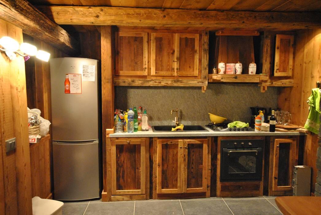 Cucina in legno antico: cucina in stile di sangineto s.r.l | homify