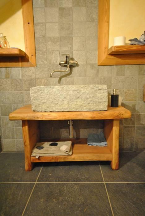 Lavandino in pietra bagno in stile di sangineto s r l homify for Lavandino bagno in pietra
