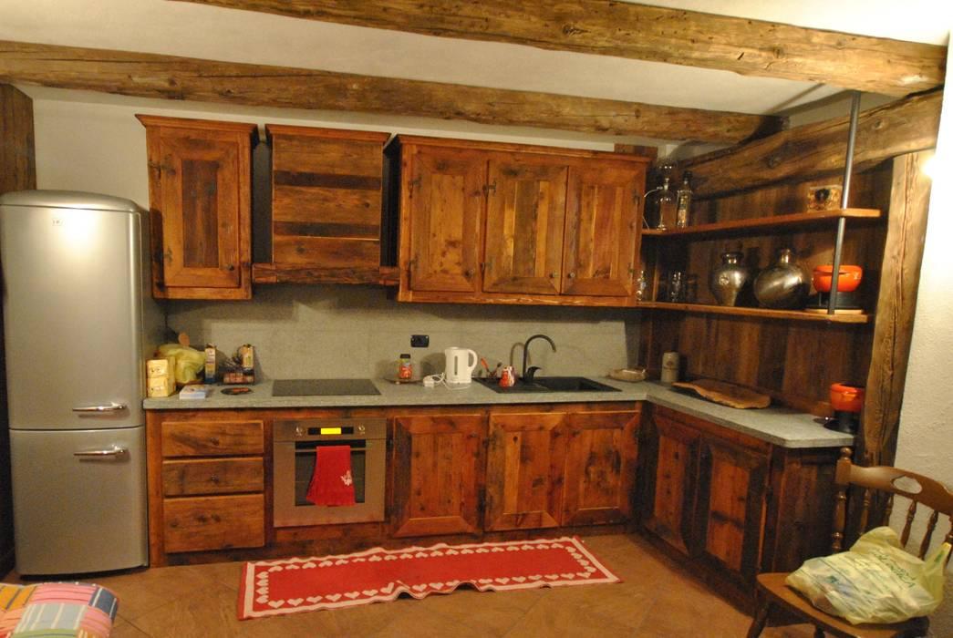 Cucina in legno antico cucina in stile rustico di sangineto ...
