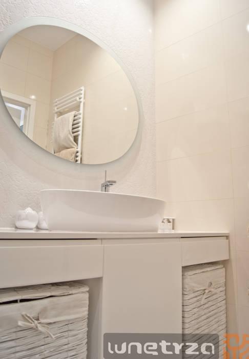 Łazienka w bieli Skandynawska łazienka od Wnętrza Alicja Galewska Skandynawski Ceramiczny