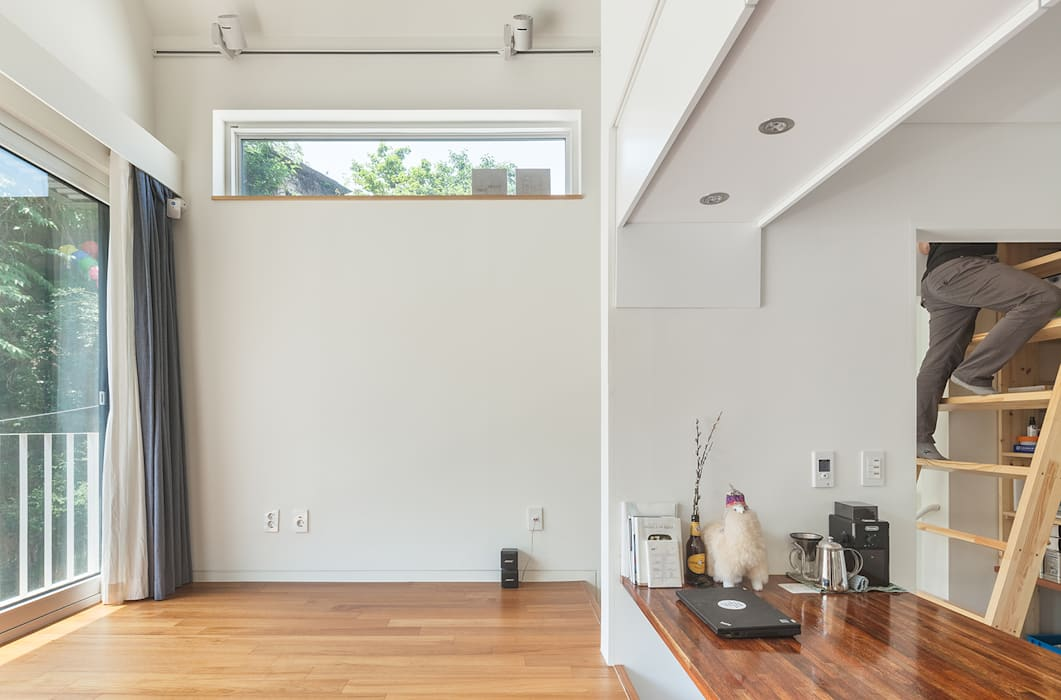 홍제동 개미마을 주택 프로젝트 모던스타일 거실 by OBBA 모던