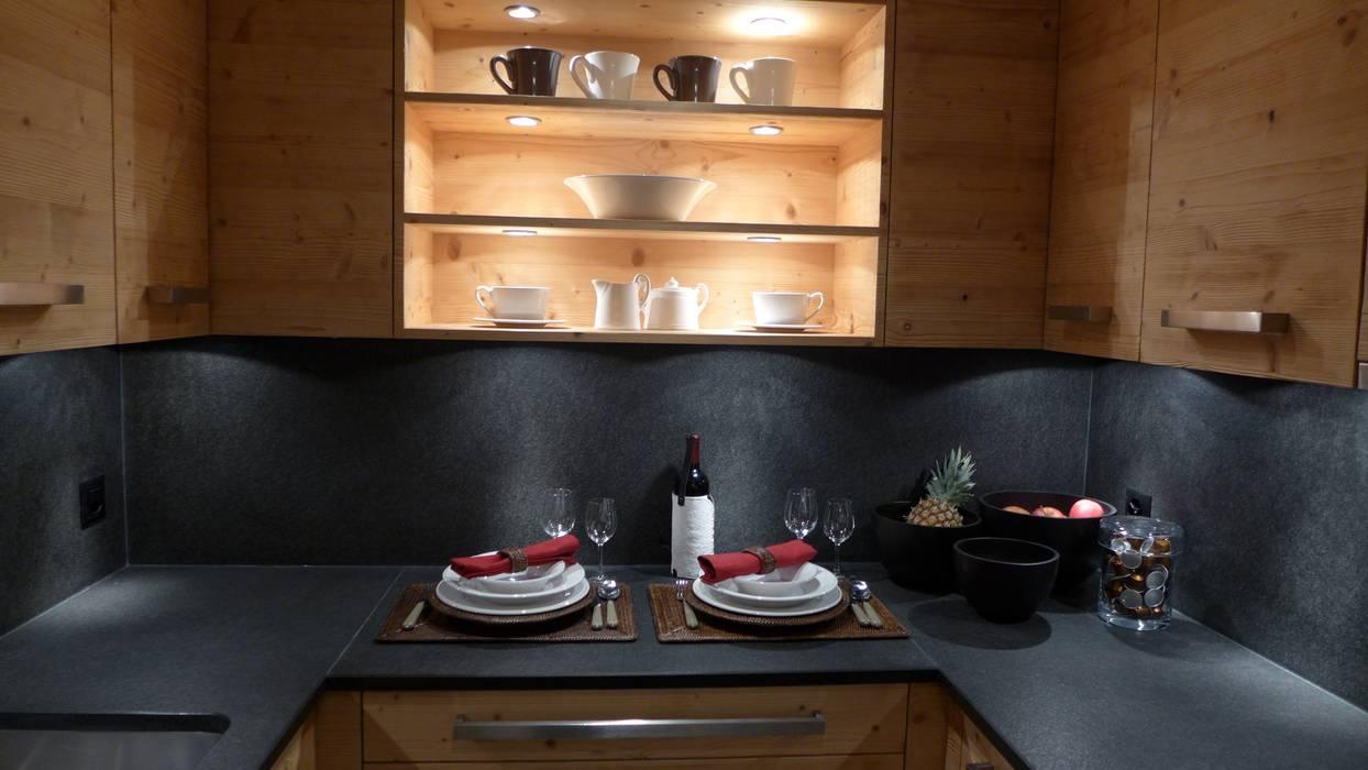 Küche Rustikale Küchen von RH-Design Innenausbau, Möbel und Küchenbau Aarau Rustikal Holzwerkstoff Transparent