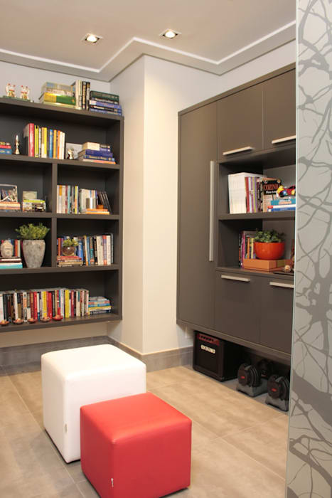 Moderner Flur, Diele & Treppenhaus von Fernanda Moreira - DESIGN DE INTERIORES Modern MDF