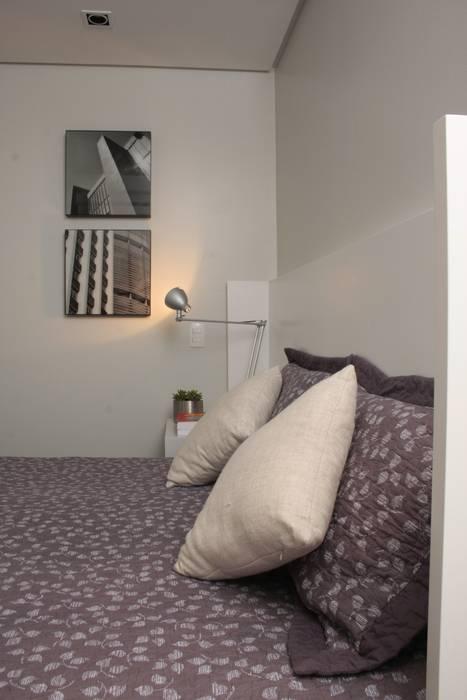 Moderne Schlafzimmer von Fernanda Moreira - DESIGN DE INTERIORES Modern Textil Bernstein/Gold