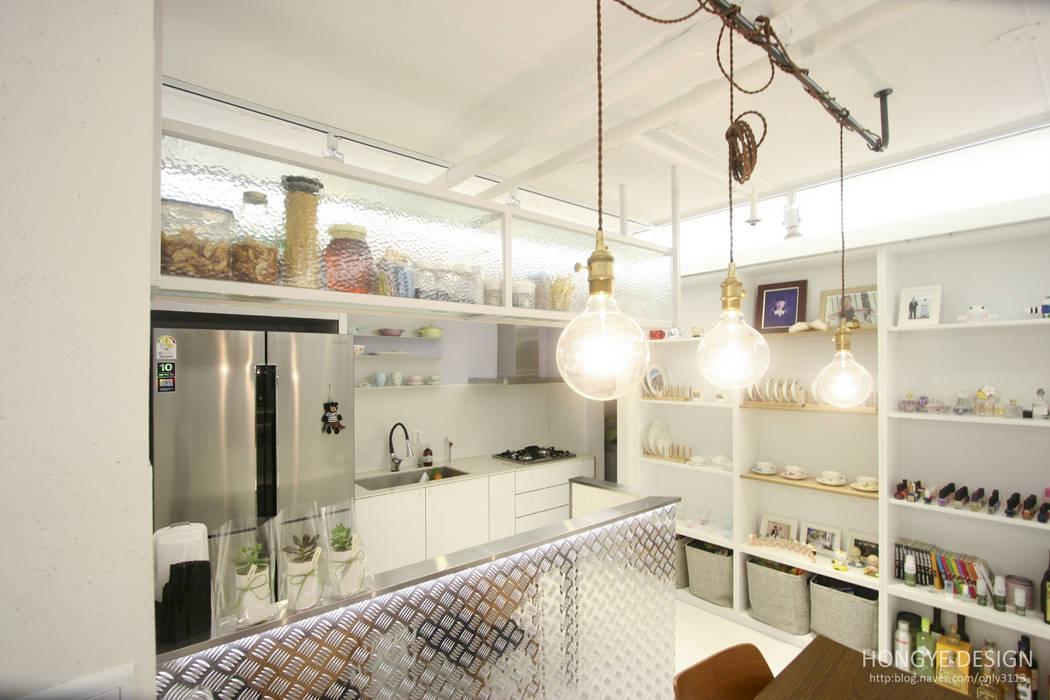 ห้องครัว โดย 홍예디자인, โมเดิร์น