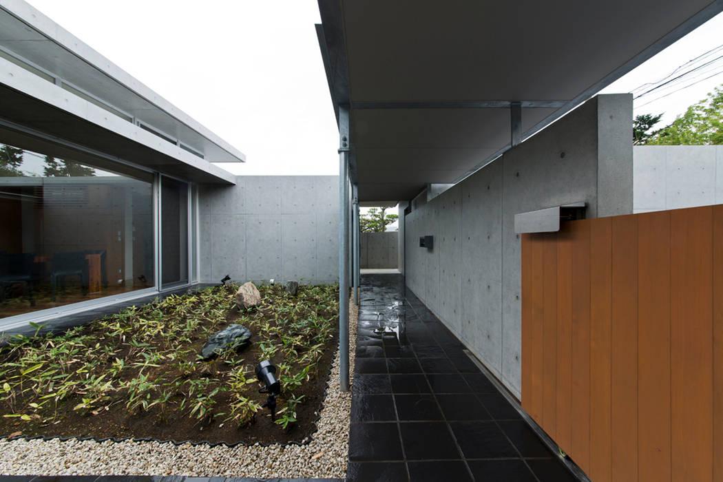 コンクリート数寄屋 オリジナルな 家 の 有限会社 宮本建築アトリエ オリジナル