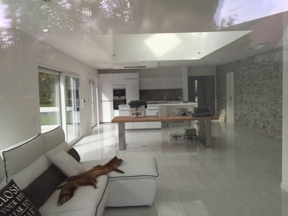 villa familiale à Hagenthal-le-Bas A.FUKE-PRIGENT ARCHITECTE Salon classique